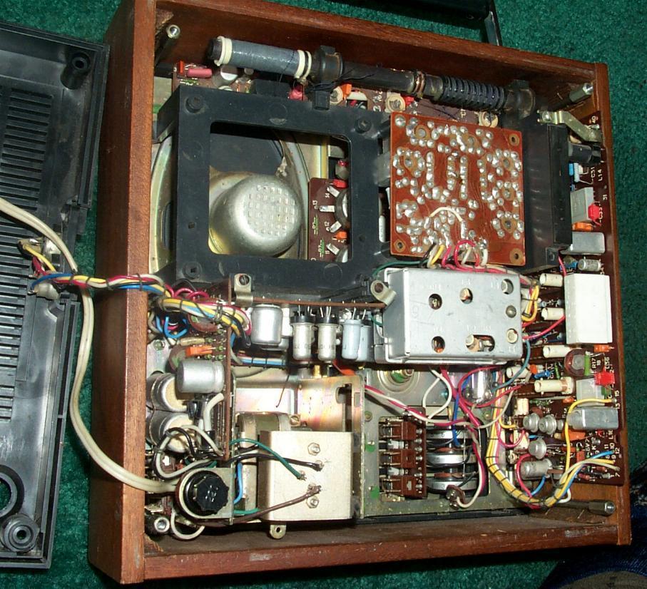 Меридиан-210'' - переносной АМ/ЧМ радиоприёмник второго класса.  Он предназначен для приёма радиостанций в диапазонах...